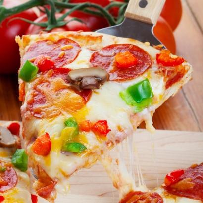 Proteinreiche Pizza mit Teig aus Blumenkohl