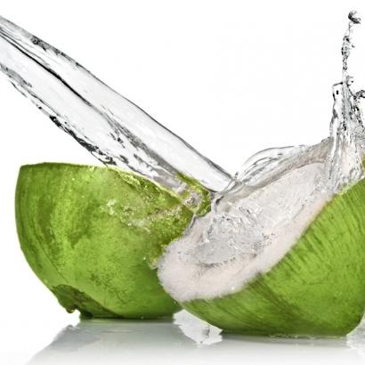 natürlicher, fettfreier Iso-Drink aus der Kokosnuss