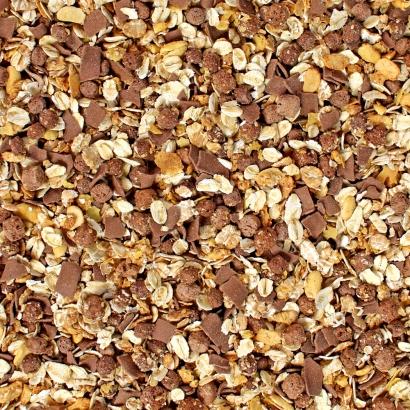Müsli geröstet mit Schokolade ist eine leckere, süße Mischung