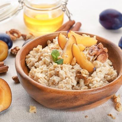 Porridge mit Zwetschgen