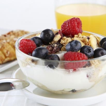 gesundes und leckeres Frühstück mit Müsli