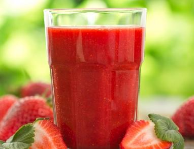 Erdbeer Smoothie mit Mohnöl