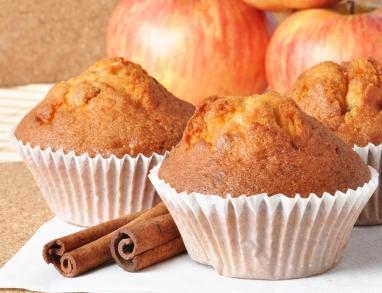 Fruchtige Muffins mit Apfel und Zimt