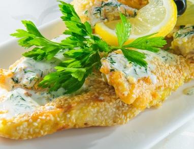 Fisch in knuspriger Sesampanade