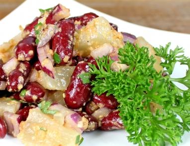 Proteinreicher Salat mit Harzer Käse und Kidney Bohnen