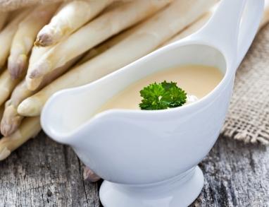 Eine leichte und kalorienarme Sauce Hollondaise