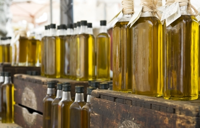 Kaltgepresste Bio Oele in Flaschen